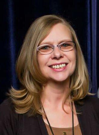 Cathy Tuthill Headshot